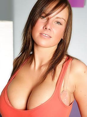Смотреть бесплатно порнография новинки красивых блондинок с большими сиськами фото 4-431